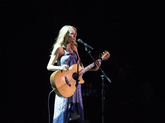 Jewel joins all-stars for Vegas Cares