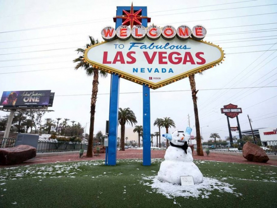 More than 7 inches of snow falls in western Las Vegas Valley - PHOTOS