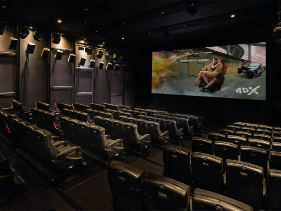 What it's like to ride 'Avengers: Endgame' in 4DX in Las Vegas