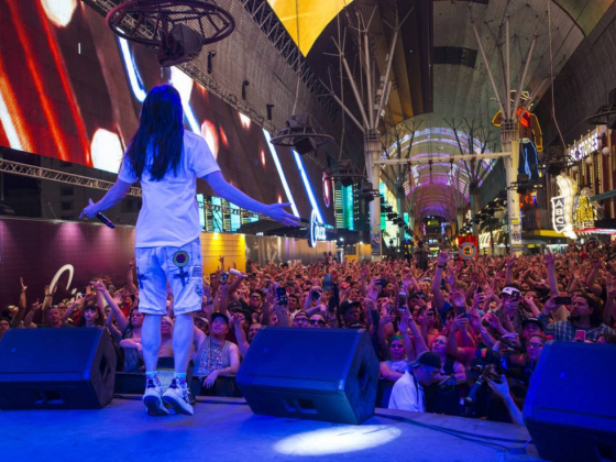 Steve Aoki rocks 8K at Fremont Street Experience — PHOTOS