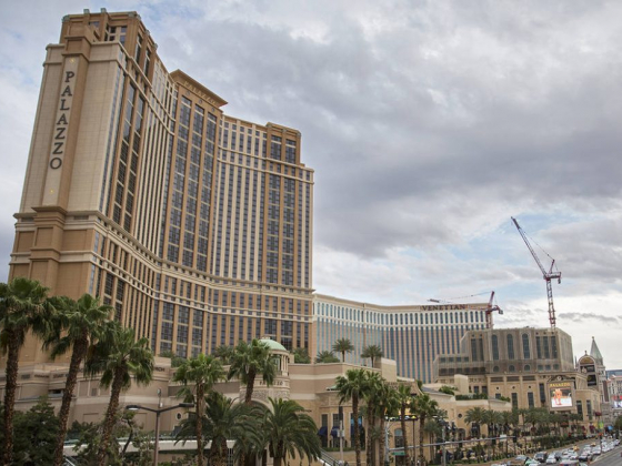 Royal flush nets $1M payday at Las Vegas Strip casino