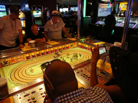 Horse racing game survives test of time in Las Vegas casino
