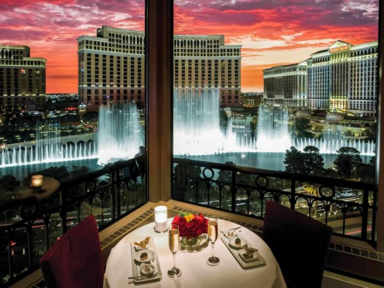 10 Las Vegas restaurants where the view is spectacular