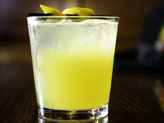 Sip like an old-time Las Vegan with the Kick in the Head cocktail
