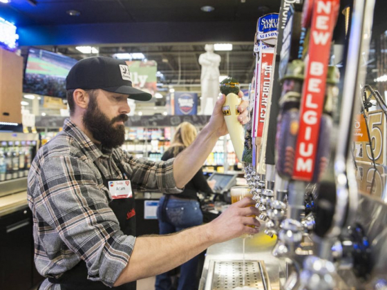 Bar at Smith's Marketplace in Las Vegas becomes gathering place