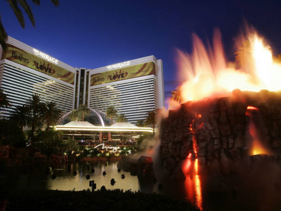 The Mirage defied the odds, celebrates its 30th birthday