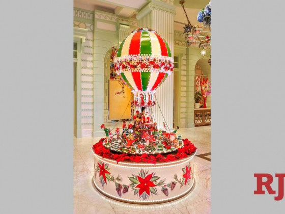 Las Vegas buffet's giant hot-air balloon is a sweet decoration