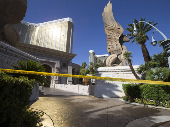 In the face of tragedy, Las Vegas Strip falls silent
