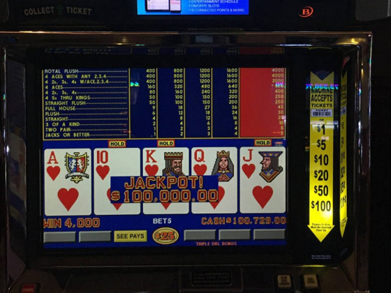Las Vegas player wins $100K royal flush at off-Strip casino