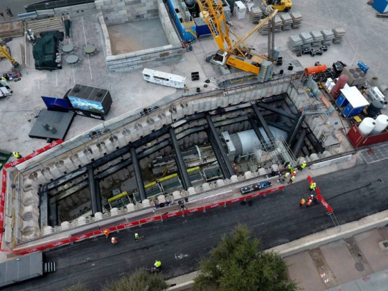 1st tunnel completed for Las Vegas Convention Center's people-mover