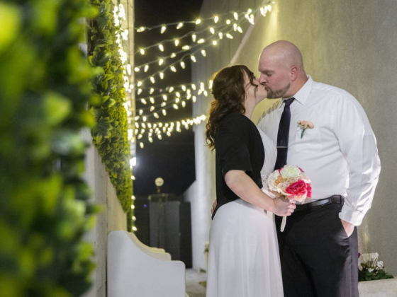 Las Vegas working to rebrand wedding destination