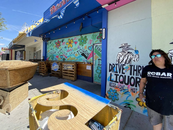 Arts District bar to offer drive-up liquor sales this week