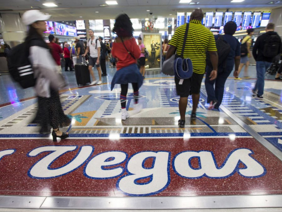 Now's the time to book cheap Las Vegas travel, experts say