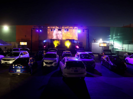 'Sexxy' revue hits high gear at Las Vegas drive-in