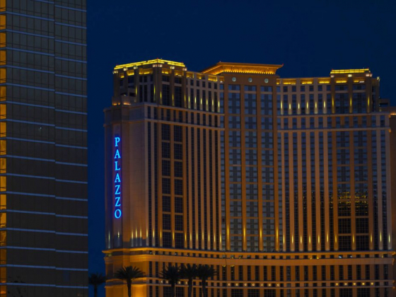 Las Vegas Sands' Palazzo hotel tower to halt weekday reservations