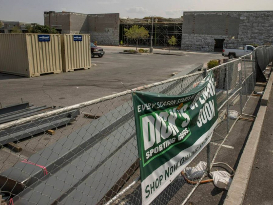 Dick's opening in Las Vegas strip mall as other shops flounder
