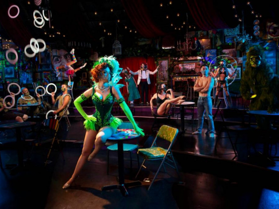 'Absinthe' keeps its swagger in return to the Strip