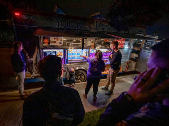 Here's how to find food trucks and what to eat in Las Vegas Valley