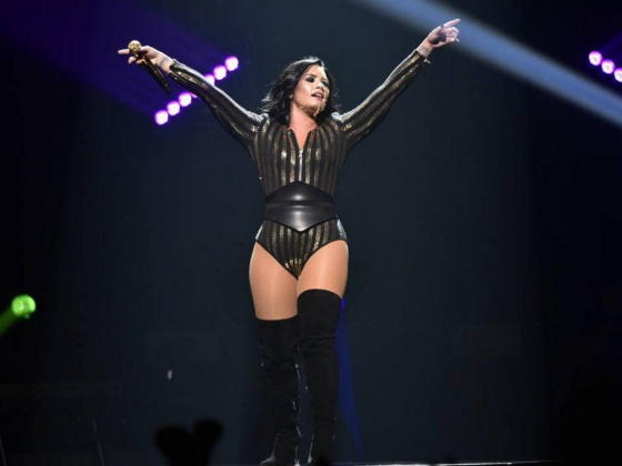Demi Lovato shares her emotional struggles at Las Vegas show