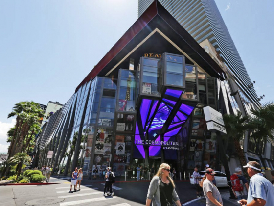 Cosmopolitan turning sports book area into food and beverage