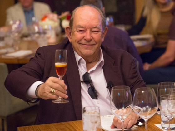 Robin Leach dies, host of 'Lifestyles of the Rich and Famous,' celebrity columnist